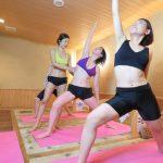 岩盤浴で行うホットヨガやトレーニングはダイエット効果バツグン