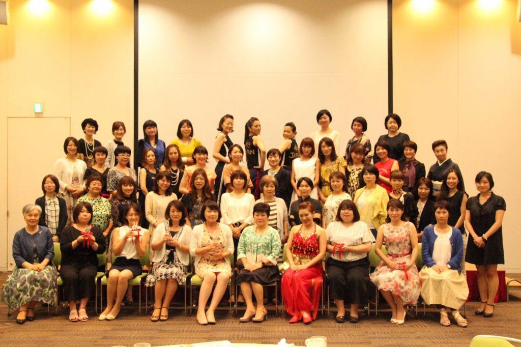 ダイエット成功を祝うパーティ。仙台の女性専用マンツーマントレーニングジムはシャンパレス