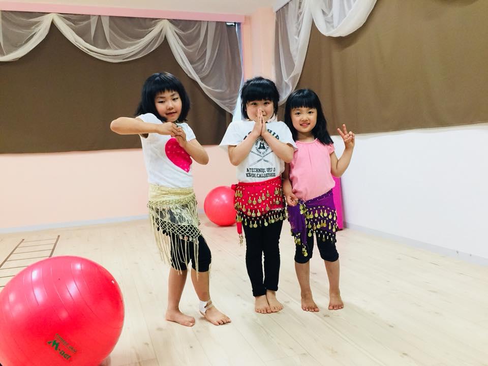 キッズの習い事、キッズベリーダンス、ダンスクラス