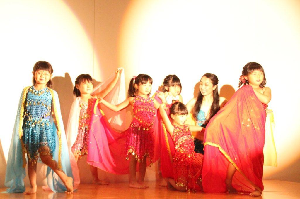 仙台 キッズのベリーダンスはシャンパレス。保育士免許をもつベリーダンサーが優しく楽しくサポートします。