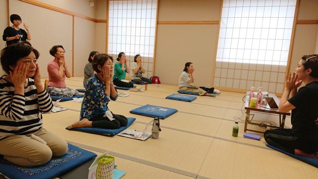 仙台の女性専用パーソナルトレーニングジムのインストラクターが行う出張教室
