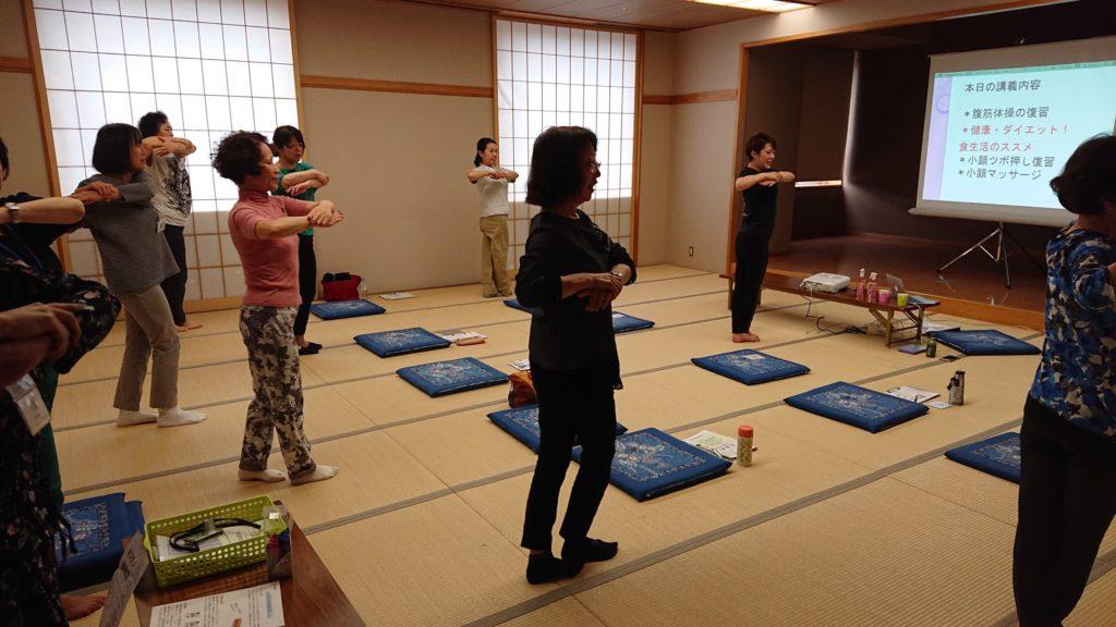 仙台の女性専用パーソナルトレーニングジム、体操出張教室